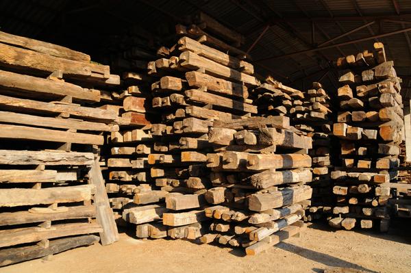 Vigas de madera de derribo materiales de construcci n - Vigas de roble antiguas ...
